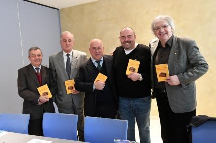 PRESENTAZIONE  LIBRO    SPAGHETTI  ALLA BOLOGNESE  DA SINISTRA  GIULIO BIASON   PASINI ( UNIONCAMERE) PIETRO VALDISERRA MAX POGGI
